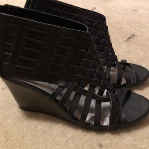 American Eagle Black Strappy Wedges Size 7.5